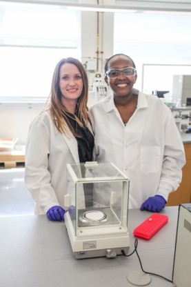 Dr Calderon and Dr Ndinguri in a lab